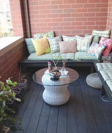10 tips to make your apartment feel homey for Balcony seating
